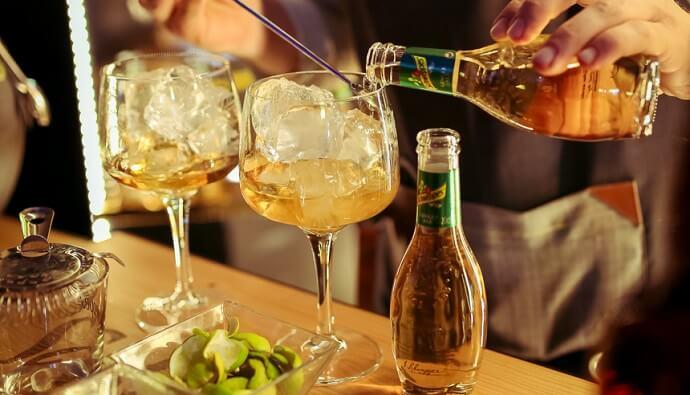 Combinados de whisky con Ginger Ale Premium Mixer Schweppes