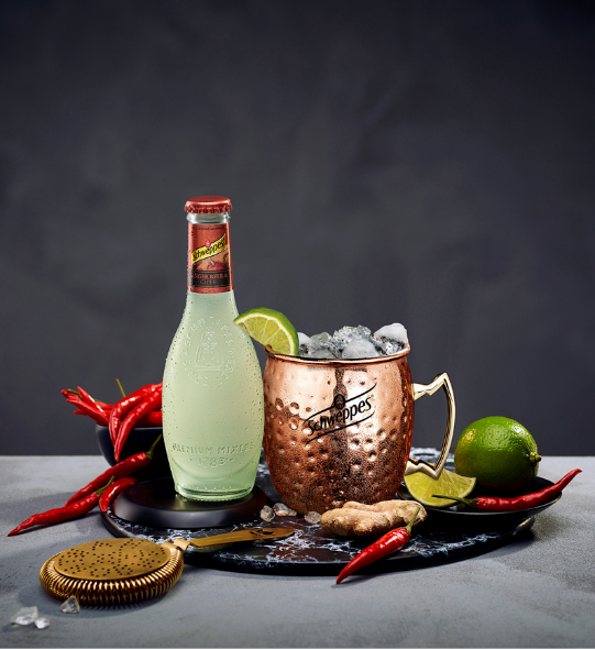 Cóctel Schweppes: Moscow mule: ginger beer & chile